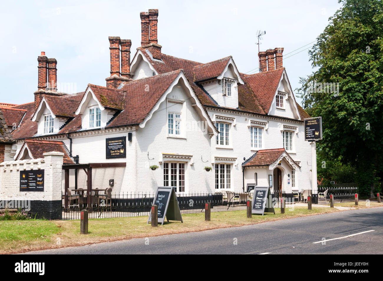 The Kings Head Hotel at Great Bircham in Norfolk - Stock Image