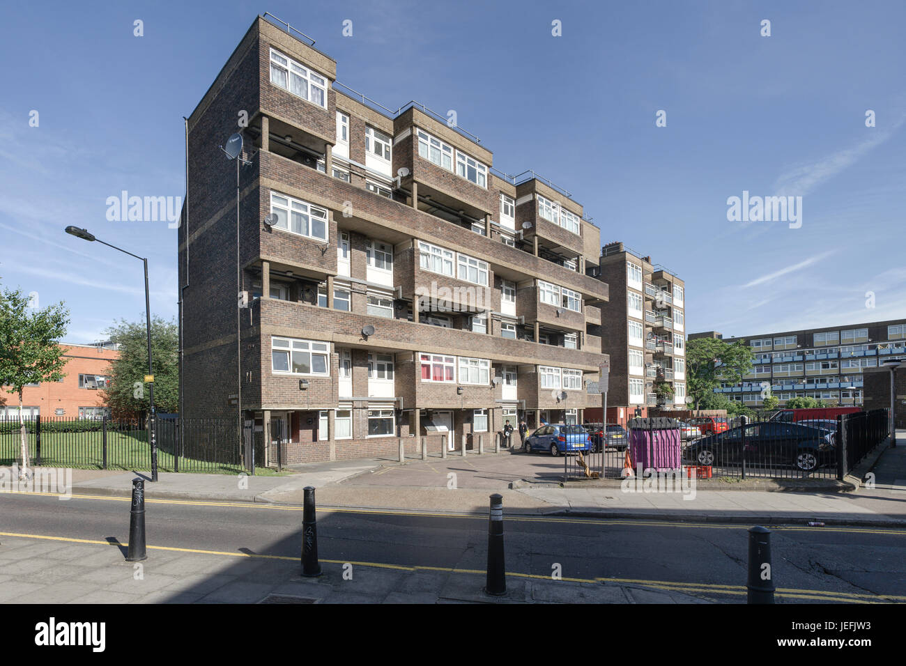 Blomfield House, Old Montague Street in Whitechapel, London a fine example of 1960s local authority housing still - Stock Image