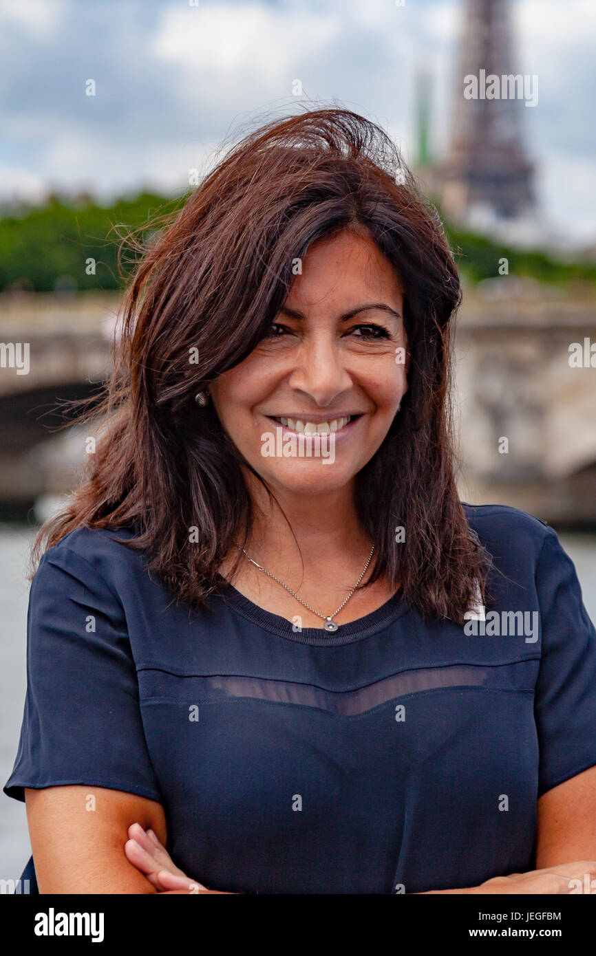anne hidalgo stock photos anne hidalgo stock images alamy. Black Bedroom Furniture Sets. Home Design Ideas