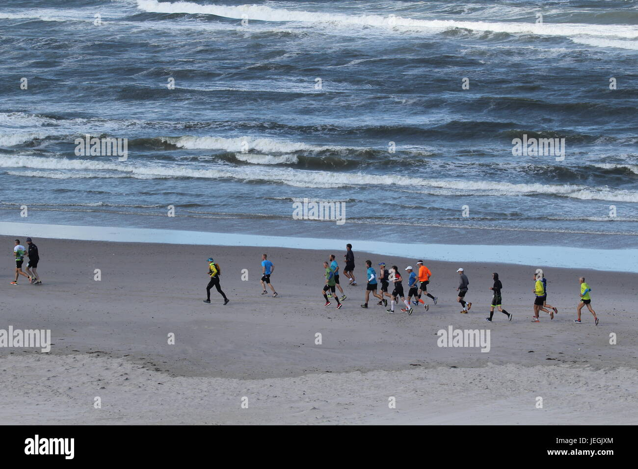 Hvide Sande, Danish Westcoast. 25th Jun, 2017. The 17th edition of North Sea Beach Marathon on the Danish Westcoast, Stock Photo