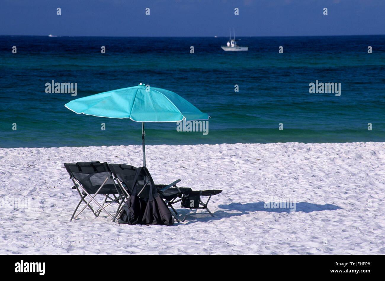 Langdon Beach umbrella, Gulf Islands National Seashore, Florida - Stock Image