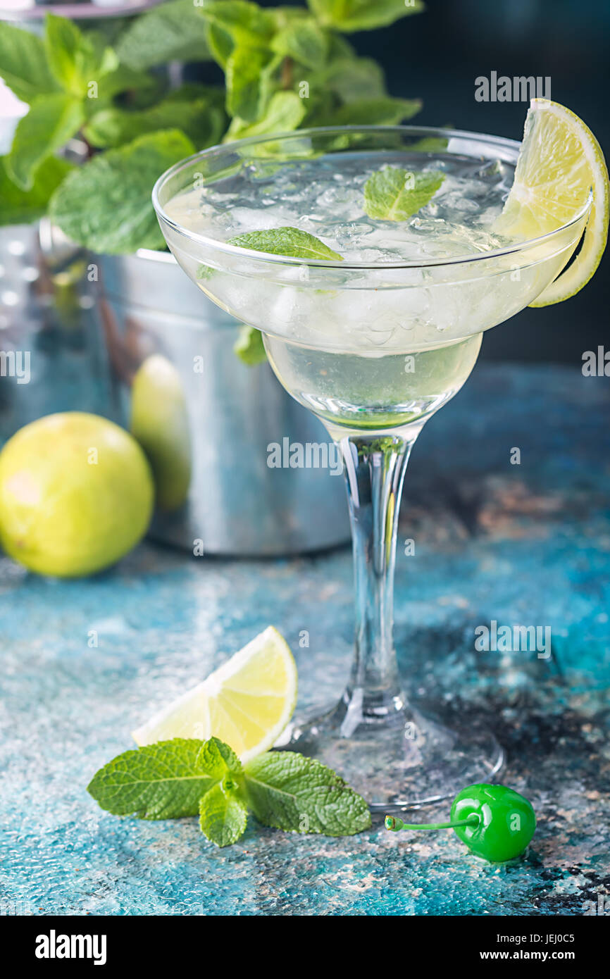 classic lime margarita cocktail - Stock Image