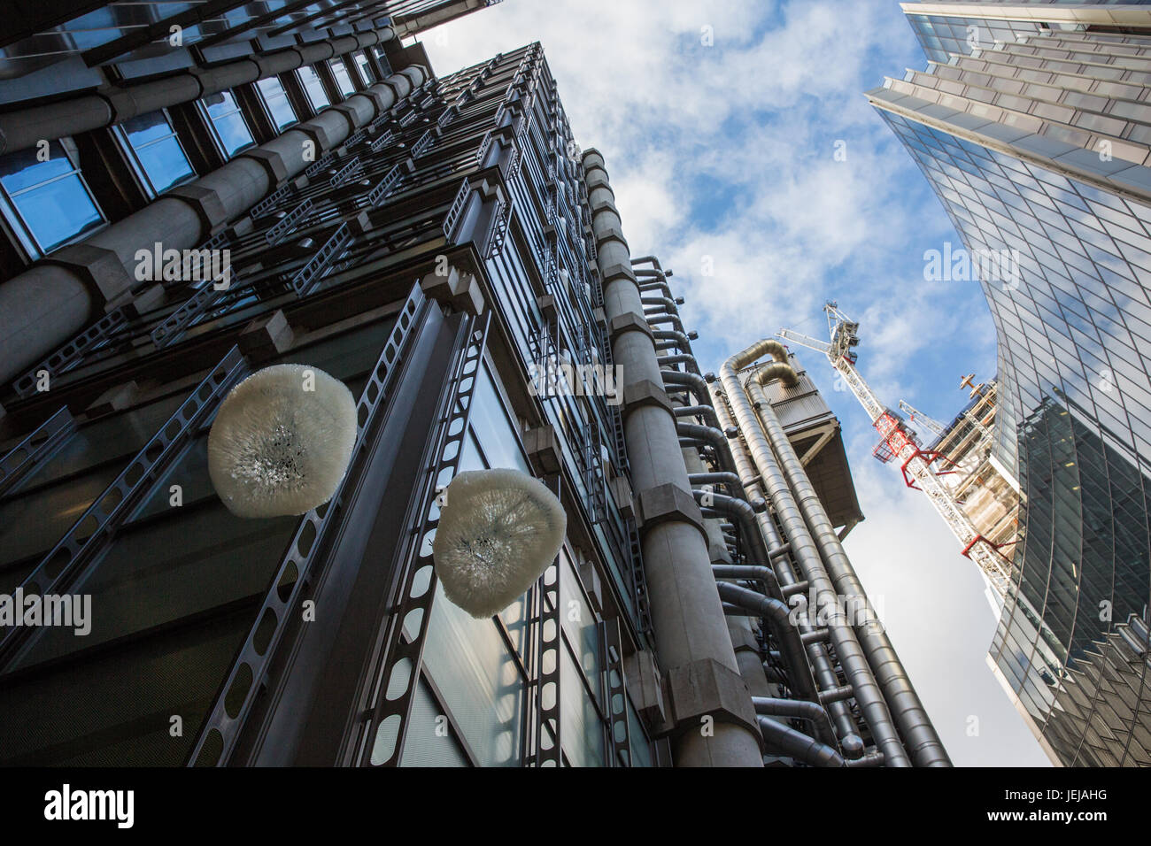 London, UK. 25th June, 2017. 'Support for a Cloud' (2017) by Mhairi Vari, exhibits no. 10, 12 and 13 of - Stock Image