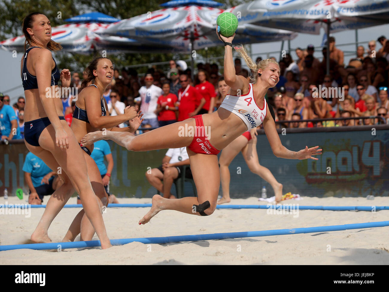 Zagreb, Croatia. 25th June, 2017. Paulina Sowa (R) of Poland competes during final match between Poland and Norway - Stock Image