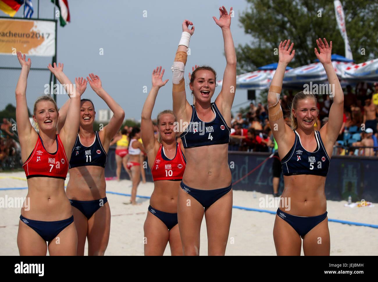 zagreb croatia 25th june 2017 norwegian women s team celebrate