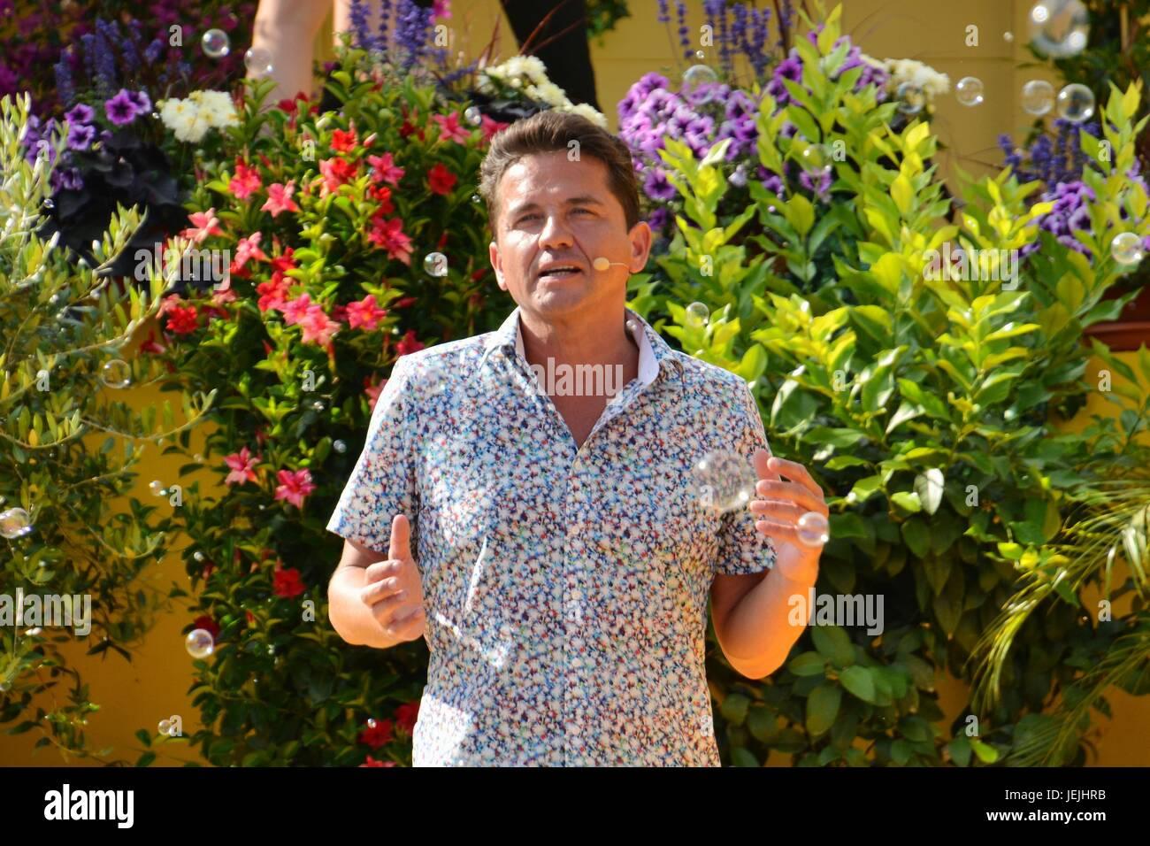 Rust, Germany, 25th June, 20017, Das Erste ARD TV Show 'Immer wieder Sonntags' Credit: mediensegel/Alamy - Stock Image
