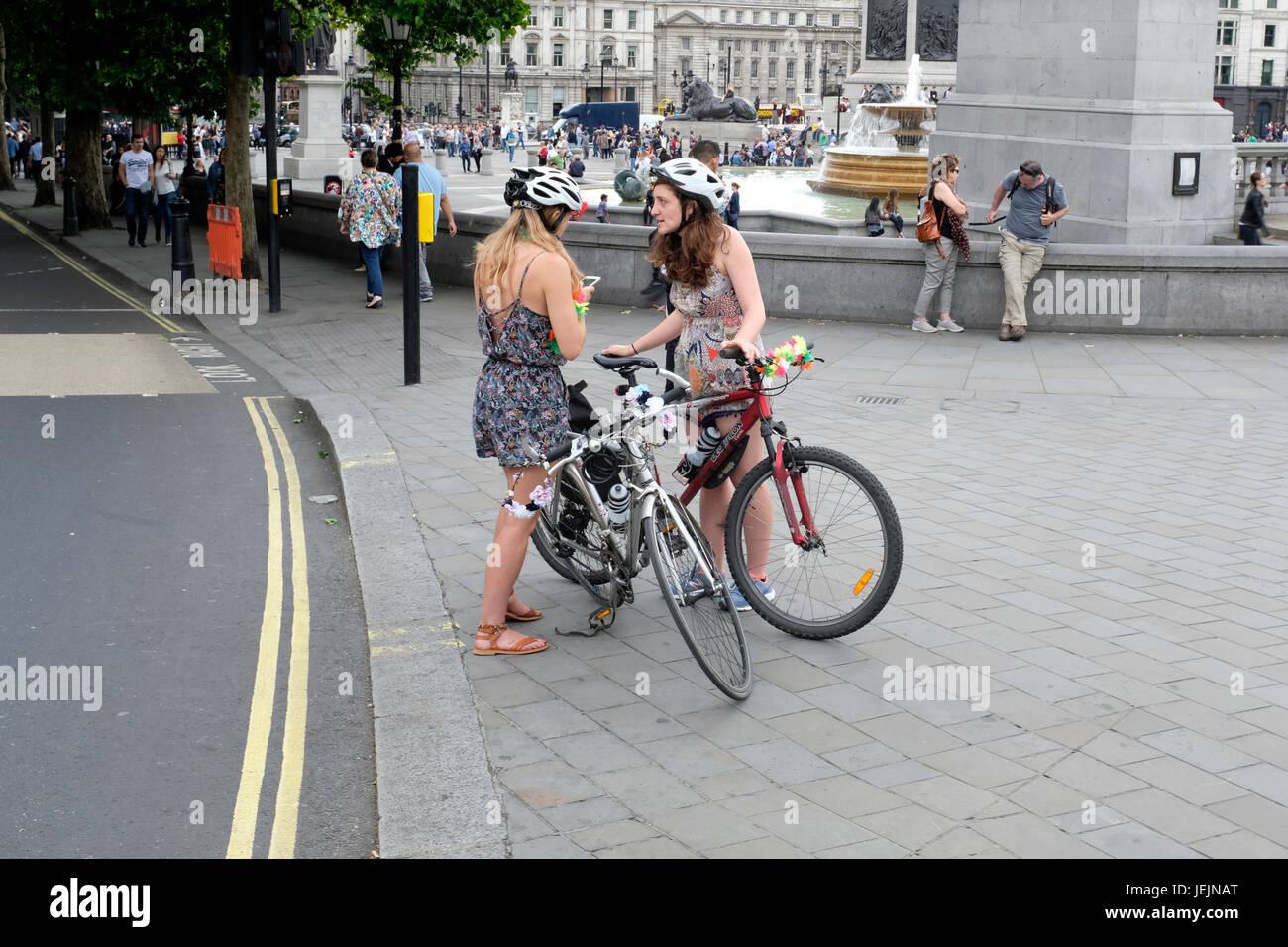 Bicyclists near Trafalgar Square - Stock Image