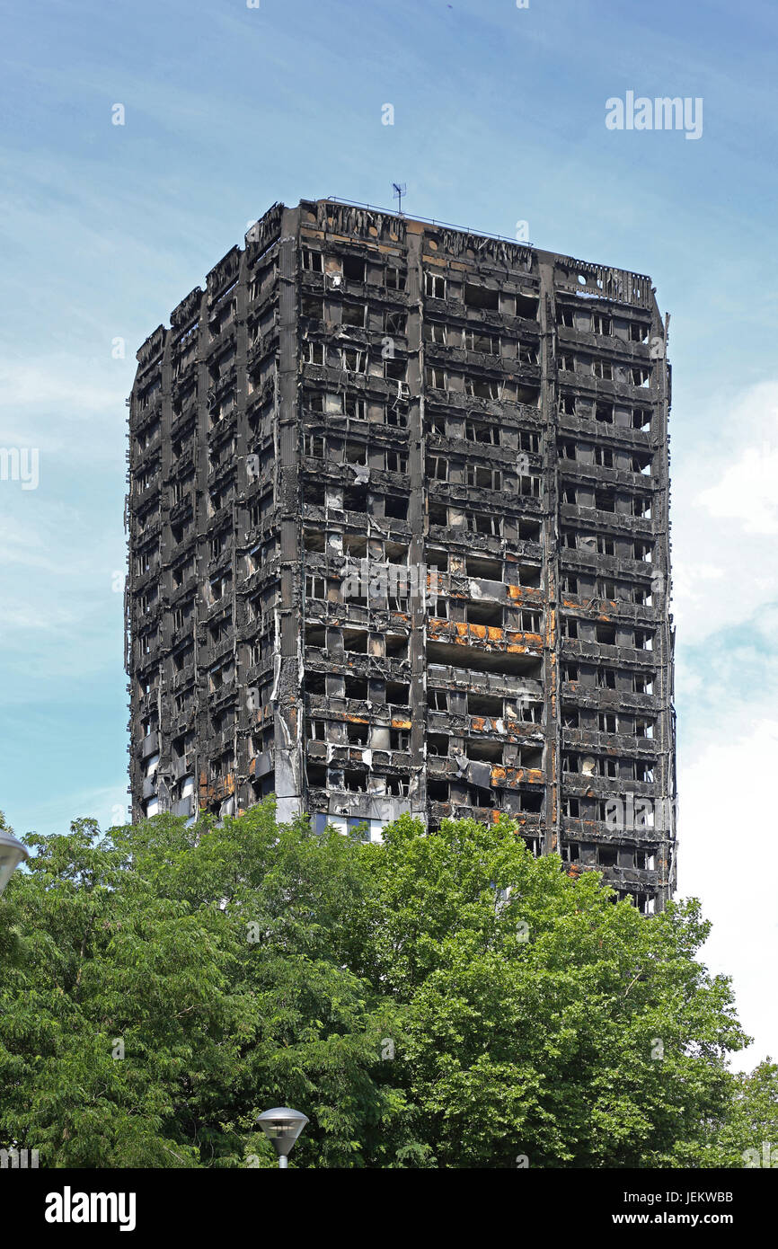 The burnt-out shell of Grenfell House, London, UK. The 23 storey residential block was destroyed by fire, June 2017. - Stock Image