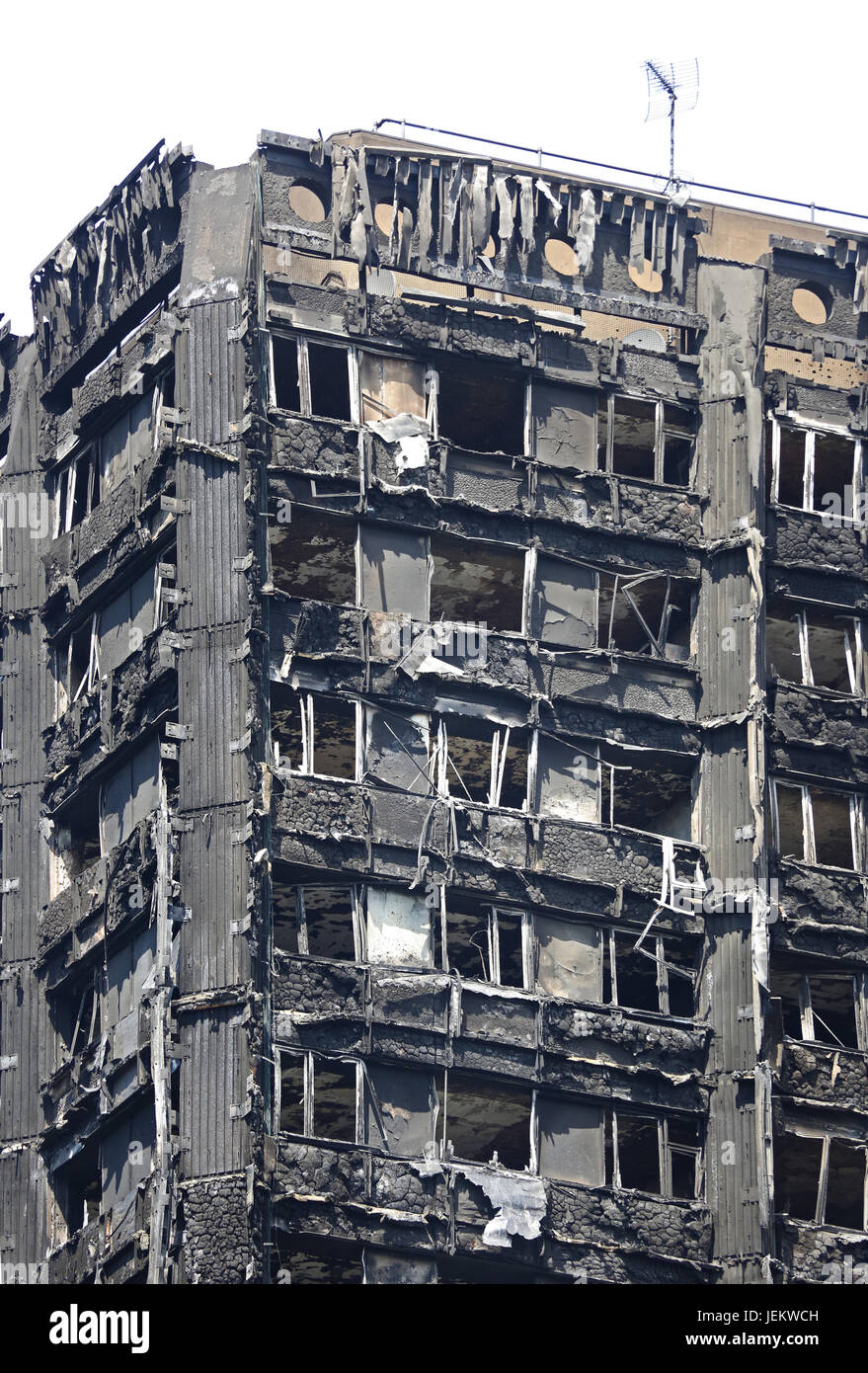 Close-up of the burnt-out shell of Grenfell House, London, UK. The 23 storey residential block was destroyed by - Stock Image