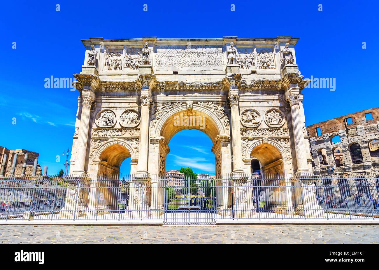 The Arch of Constantine and  the Colosseum in Rome, Italy - Stock Image