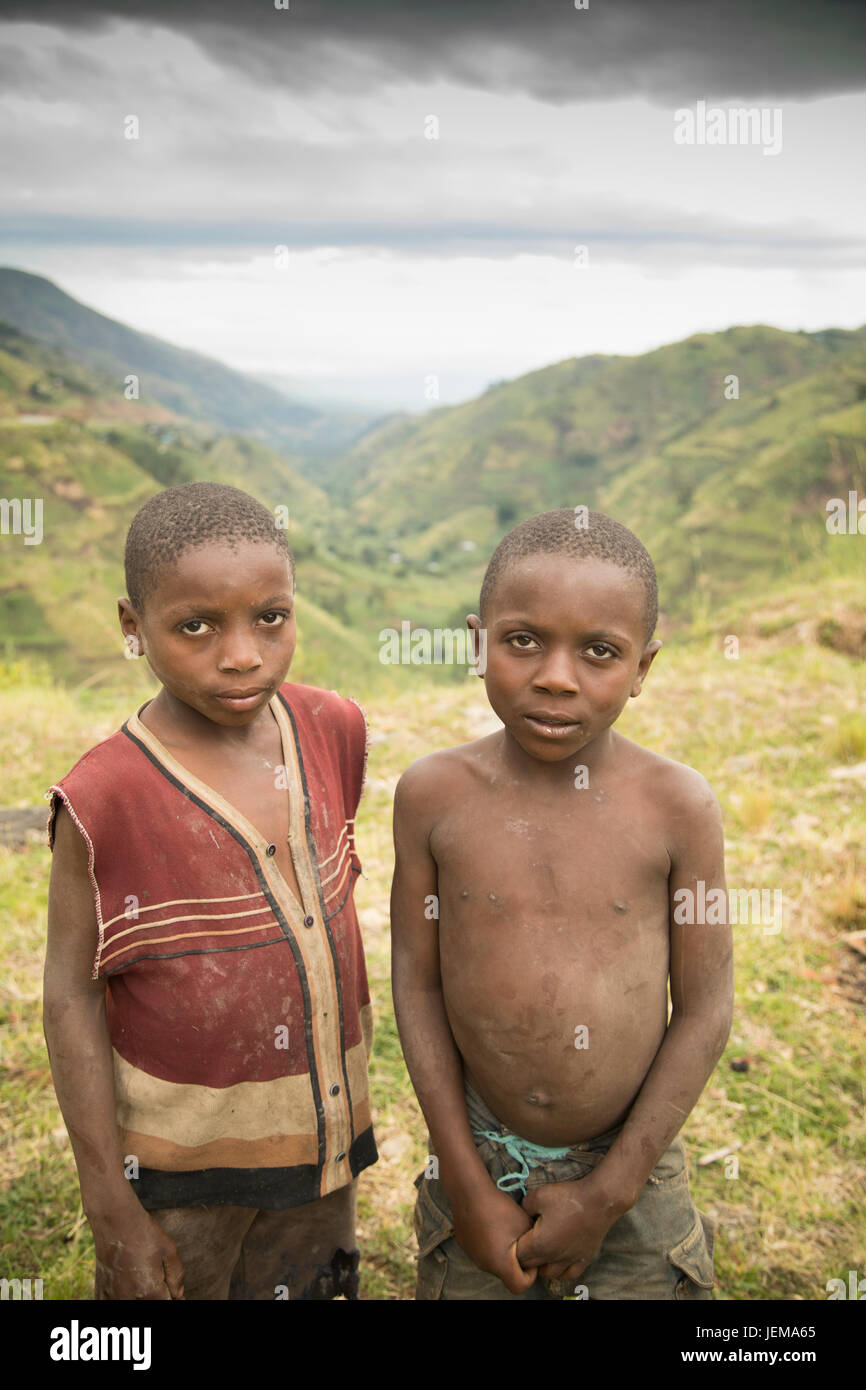 Impoverished children in the Rwenzori Mountains, Uganda. - Stock Image