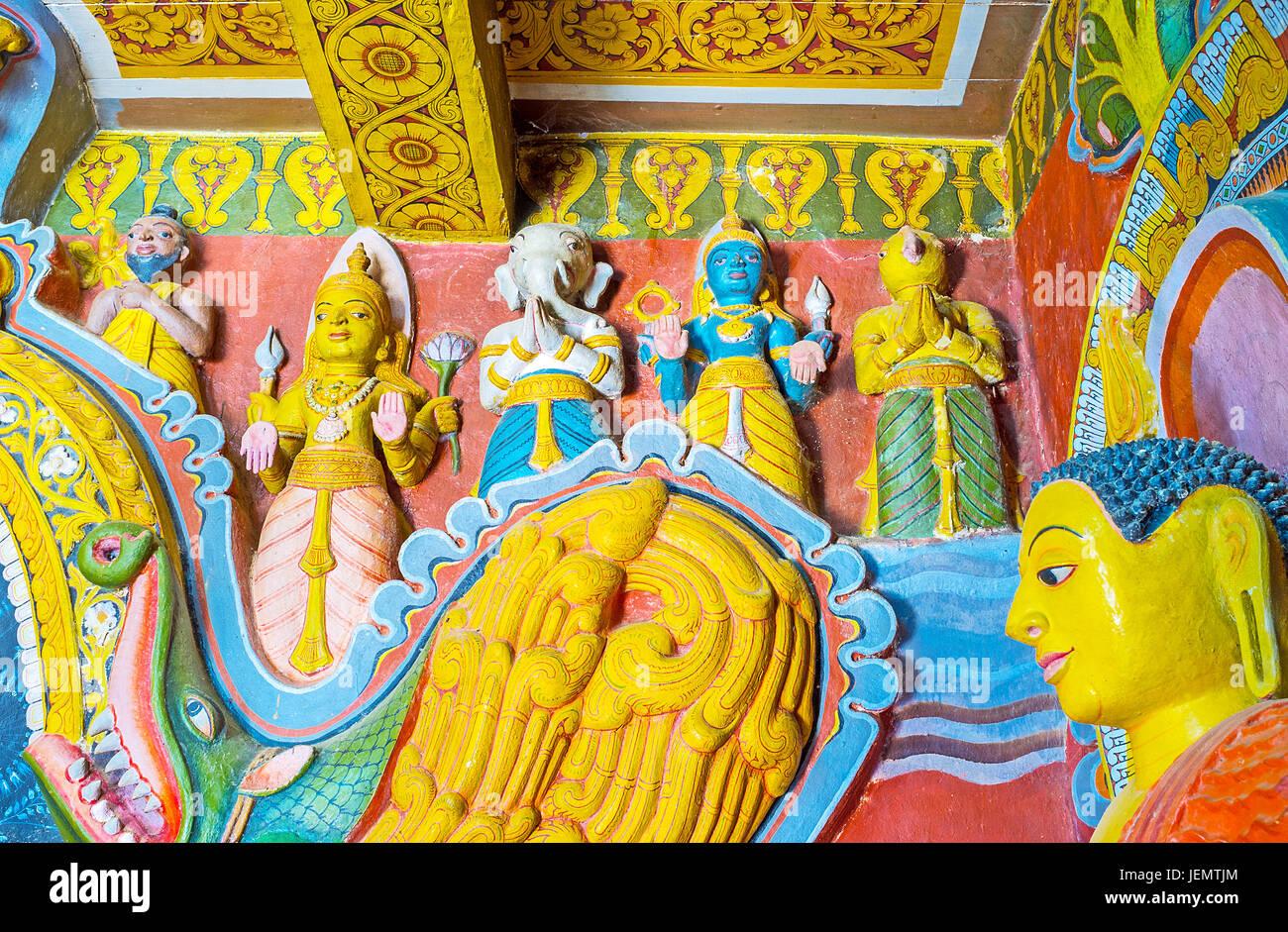 UDUNUWARA, SRI LANKA - NOVEMBER 29, 2016: The Hindu deities are the parts of Dragon's Arch in Sanctum of Garagha - Stock Image
