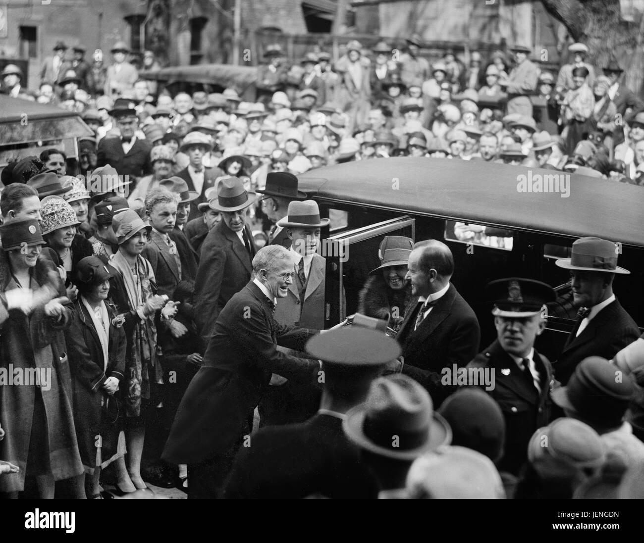 President Calvin Coolidge and his Wife, Grace, Exiting Automobile, Washington DC, USA, Harris & Ewing, April 1927 Stock Photo