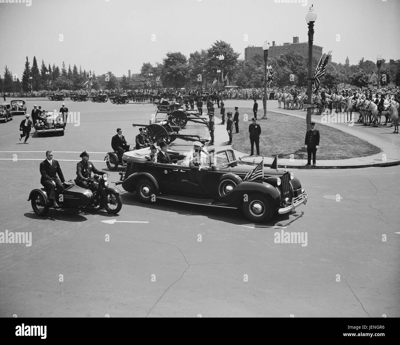 U.S. President Franklin Roosevelt and King George V in Automobile Leaving Union Station for White House, Washington - Stock Image