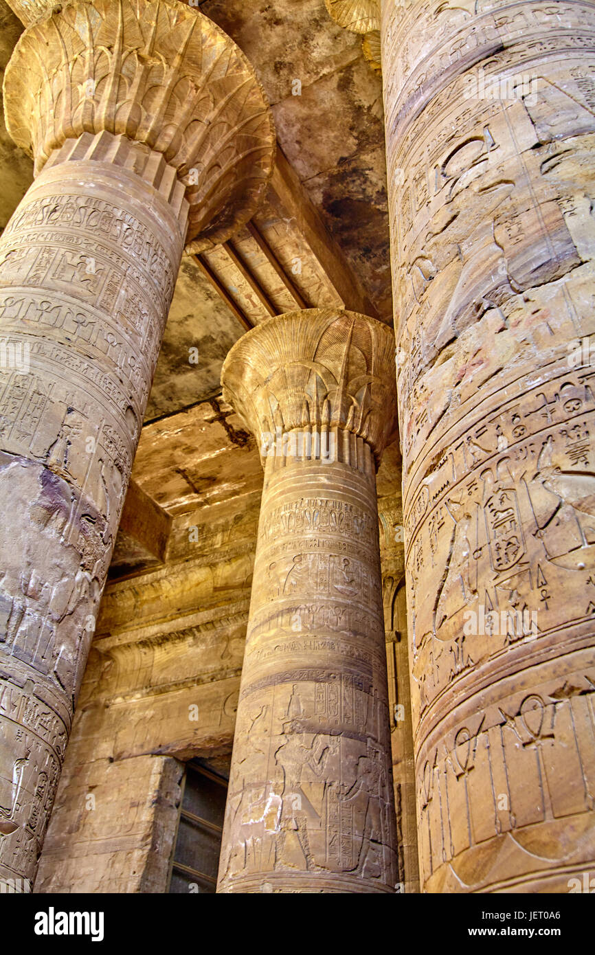 ancient egyptian architecture ruins. olumns of the Temple of Horus at Edfu, in Egypt - Stock Image
