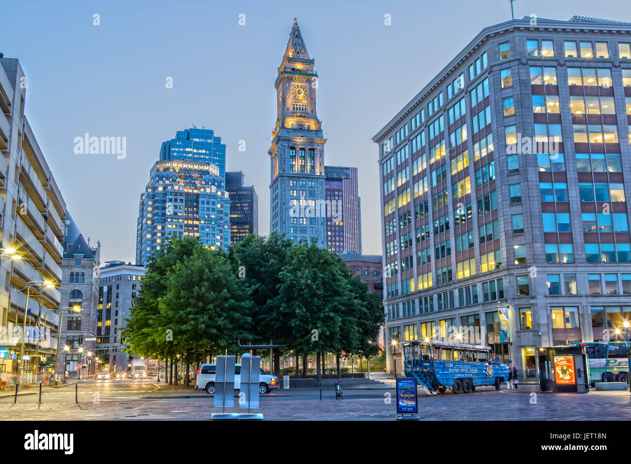 Night View Custom House Tower High Resolution Stock Photography And Images Alamy