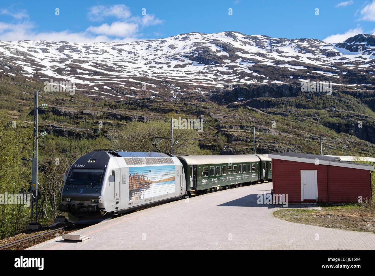 Flamsbana or Flam Railway train by the station platform. Vatnahelsen, Aurland, Norway, Scandinavia - Stock Image