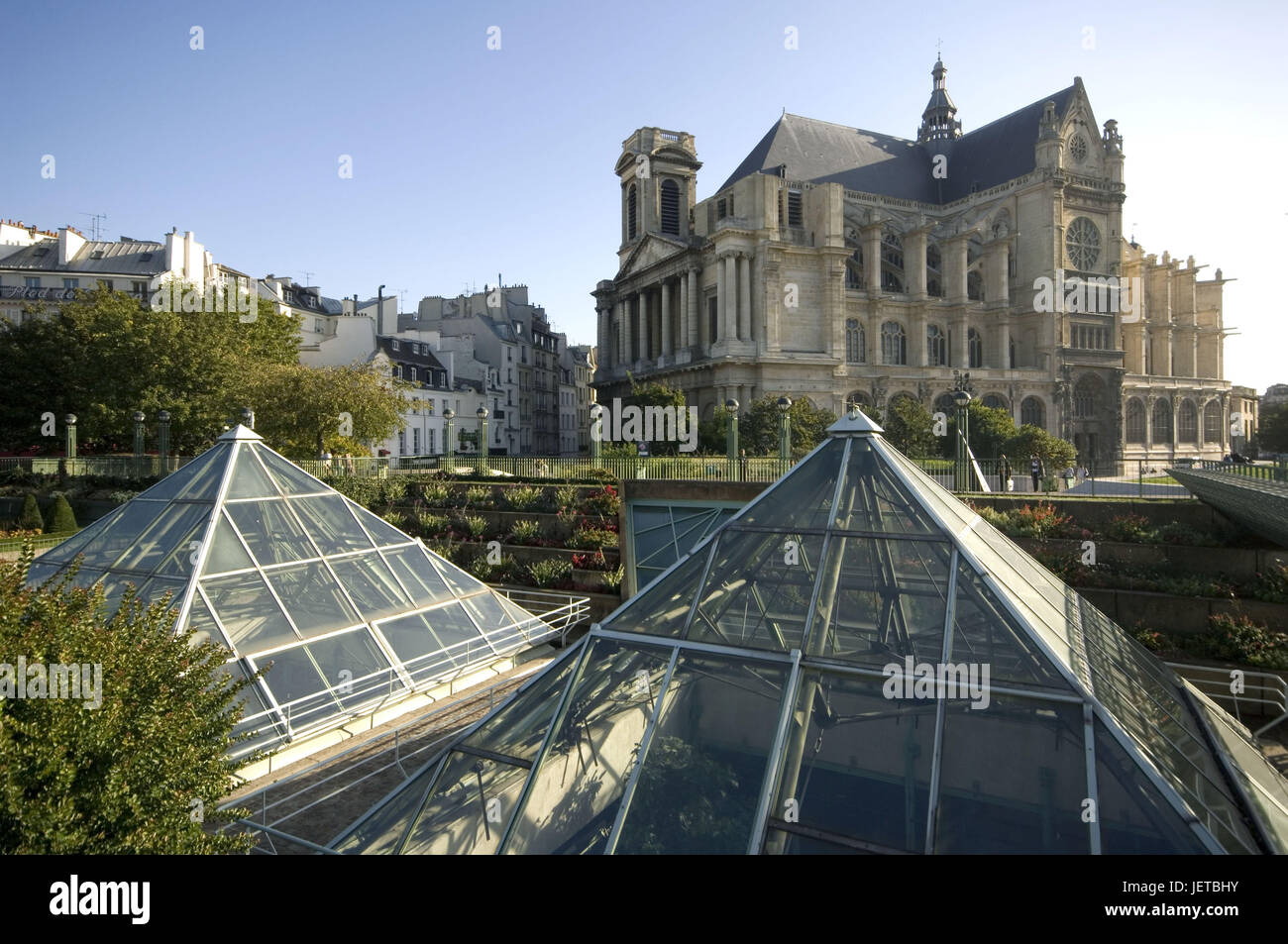 France, Paris, forum of the sound, church Saint Eustache, glass pyramids, - Stock Image