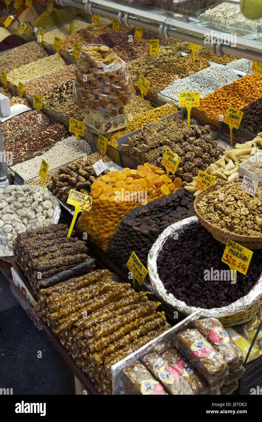 Turkey, Istanbul, part of town of Sultanahmet, Egyptian bazaar, Misir Carsisi, choice in sweets, - Stock Image
