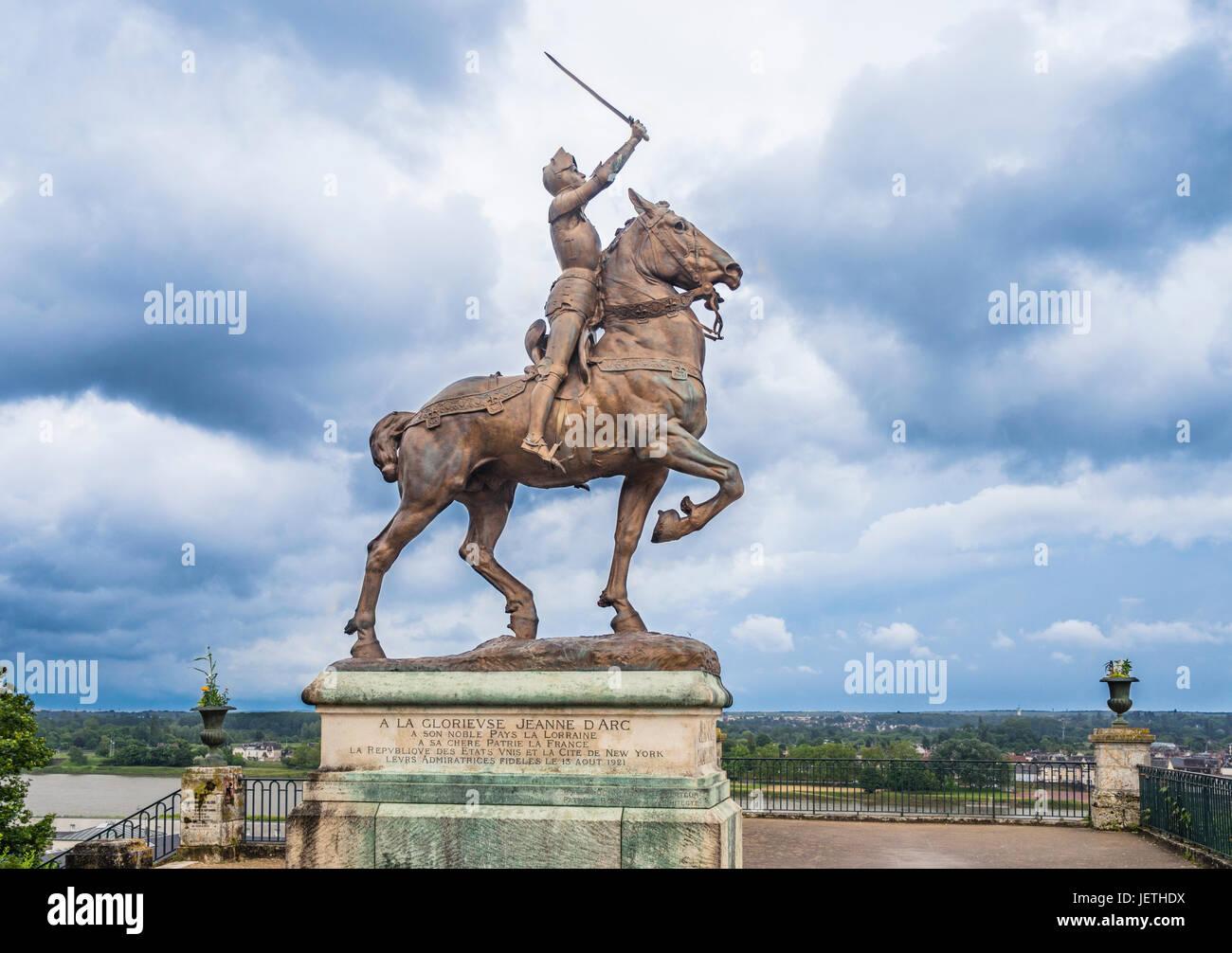 France, Centre-Val de Loire, Blois, Jeanne d'Arc (Joan of Arc) equestrian bronce sculpture at the gardens of - Stock Image