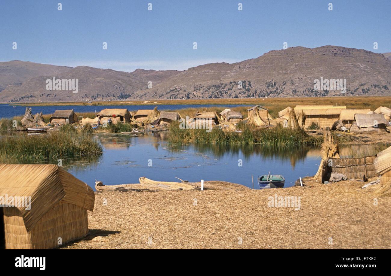 Reed islands of the Uru Uru Indian, Titicacasee, Peru, Schilfinseln der Uru Uru Indianer - Stock Image
