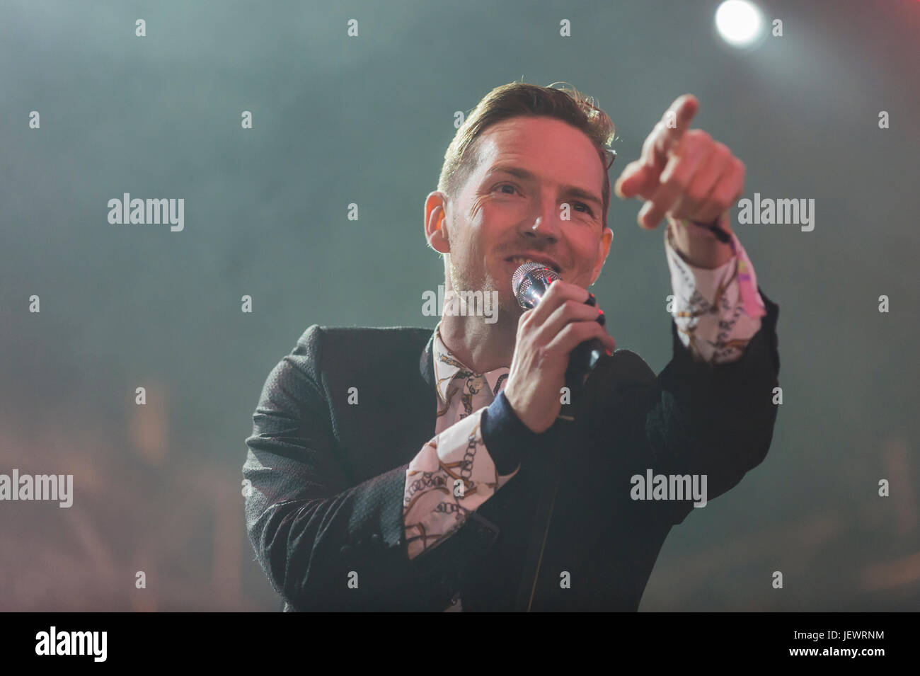 Dundrennan Scotland, UK - July 26, 2014: Dan Gillespie Sells of The Feeling performs at the Wickerman Festival - Stock Image