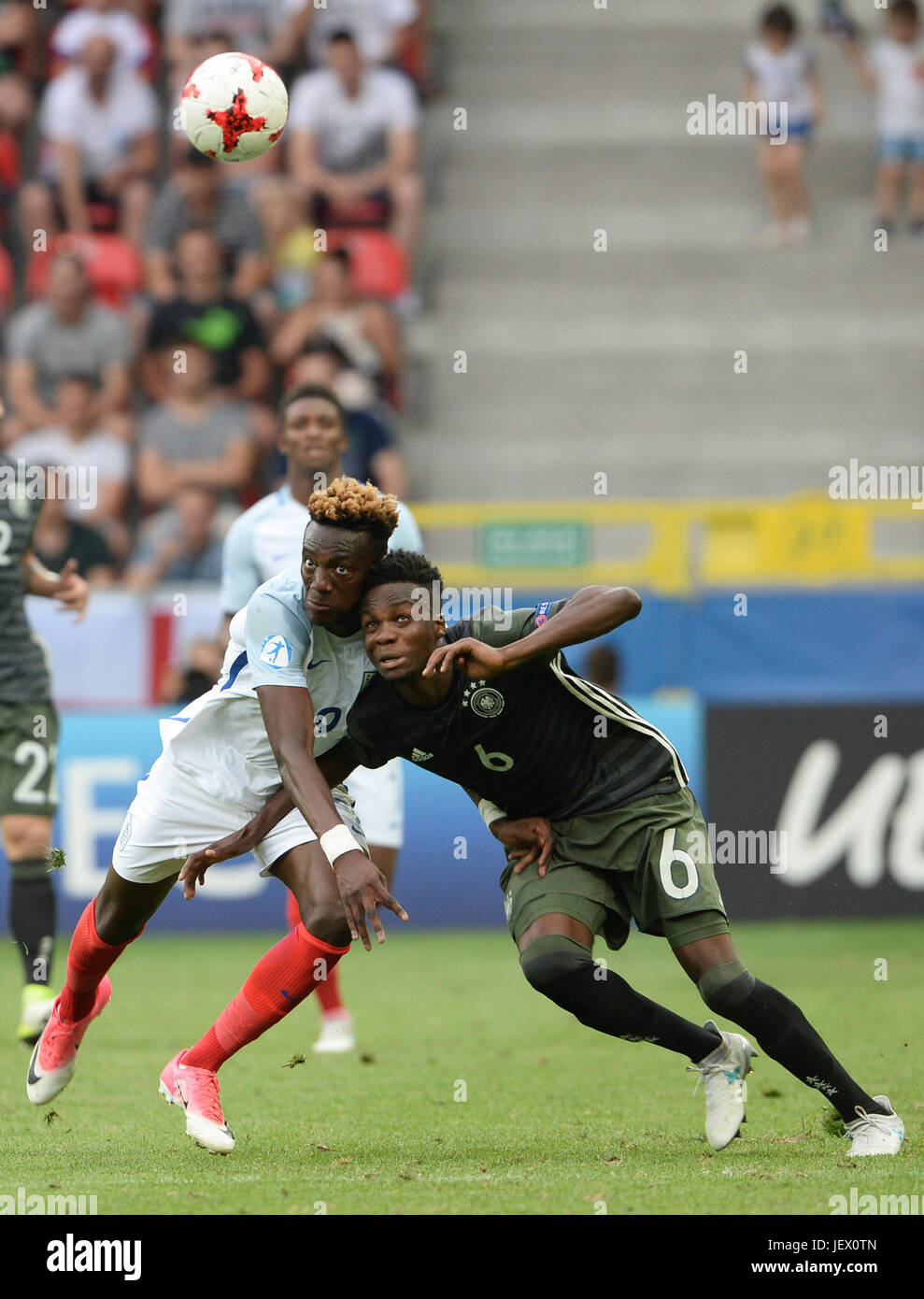 Tychy, Poland. 27th June, 2017. England's Tammy Abraham (L) and Germany's Gideon Jung in action during the - Stock Image