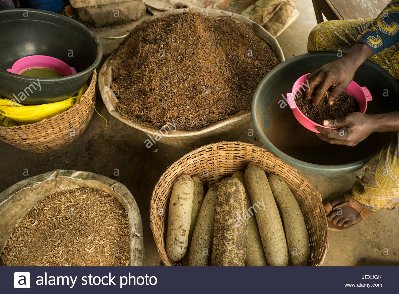 A variety of herbs, leaves and vegetables used in the preparation of traditional medicines. - Stock Image