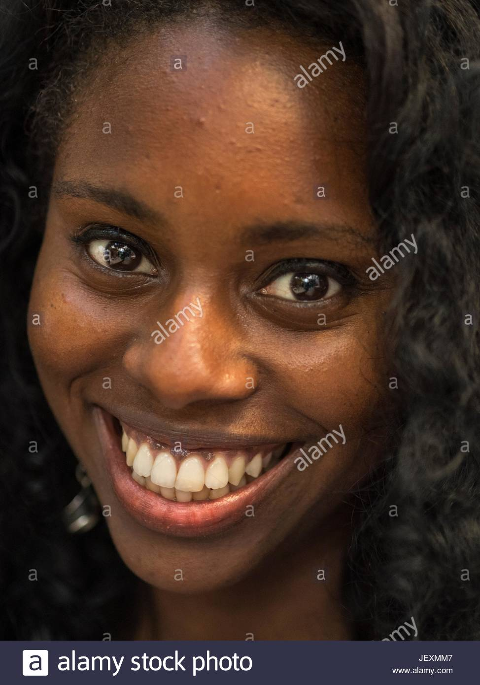 Portrait of a young woman in La Habana Vieja district. - Stock Image