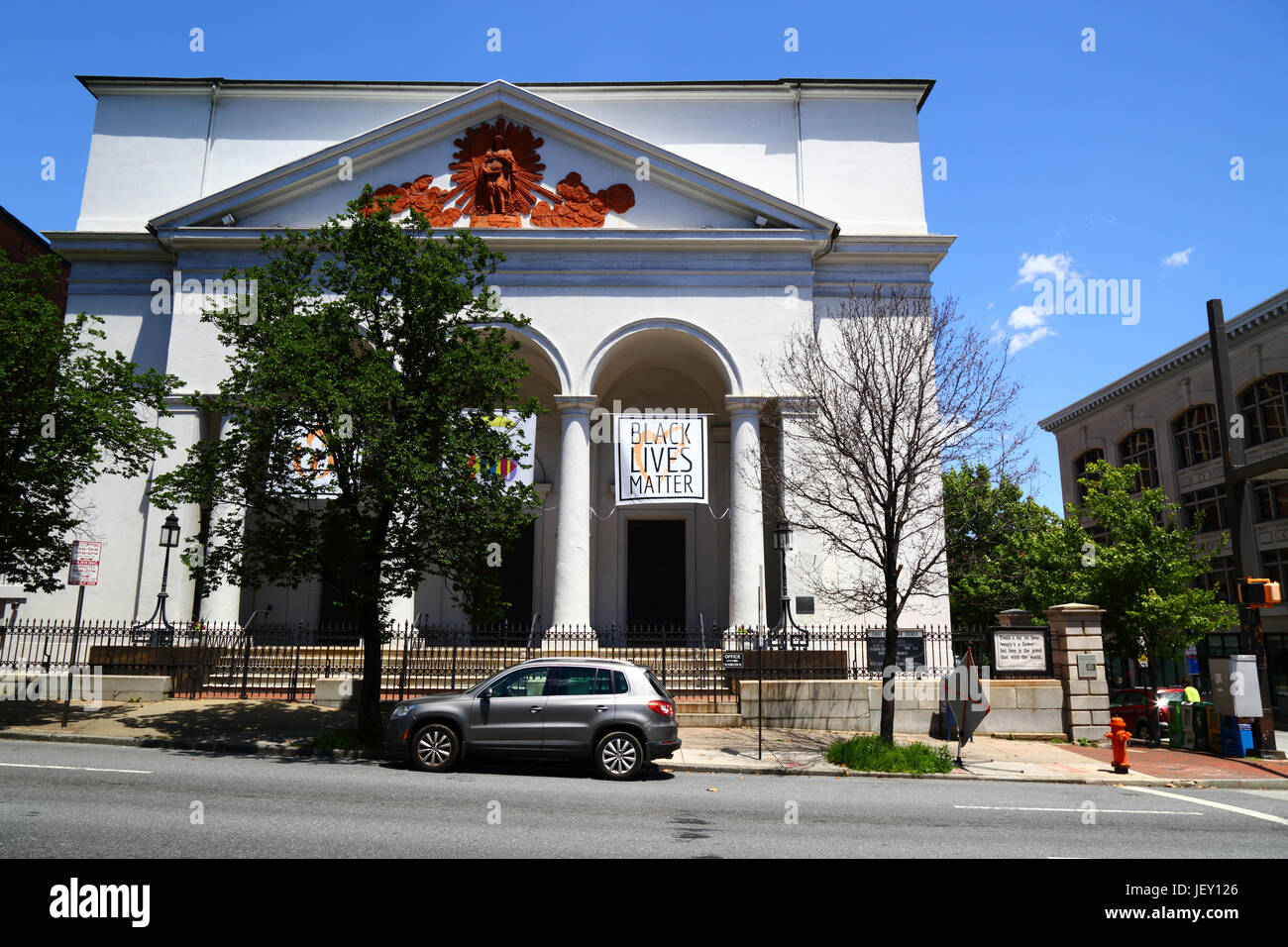 Black Lives Matter banner on entrance to First Unitarian Church, Baltimore, Maryland, USA - Stock Image