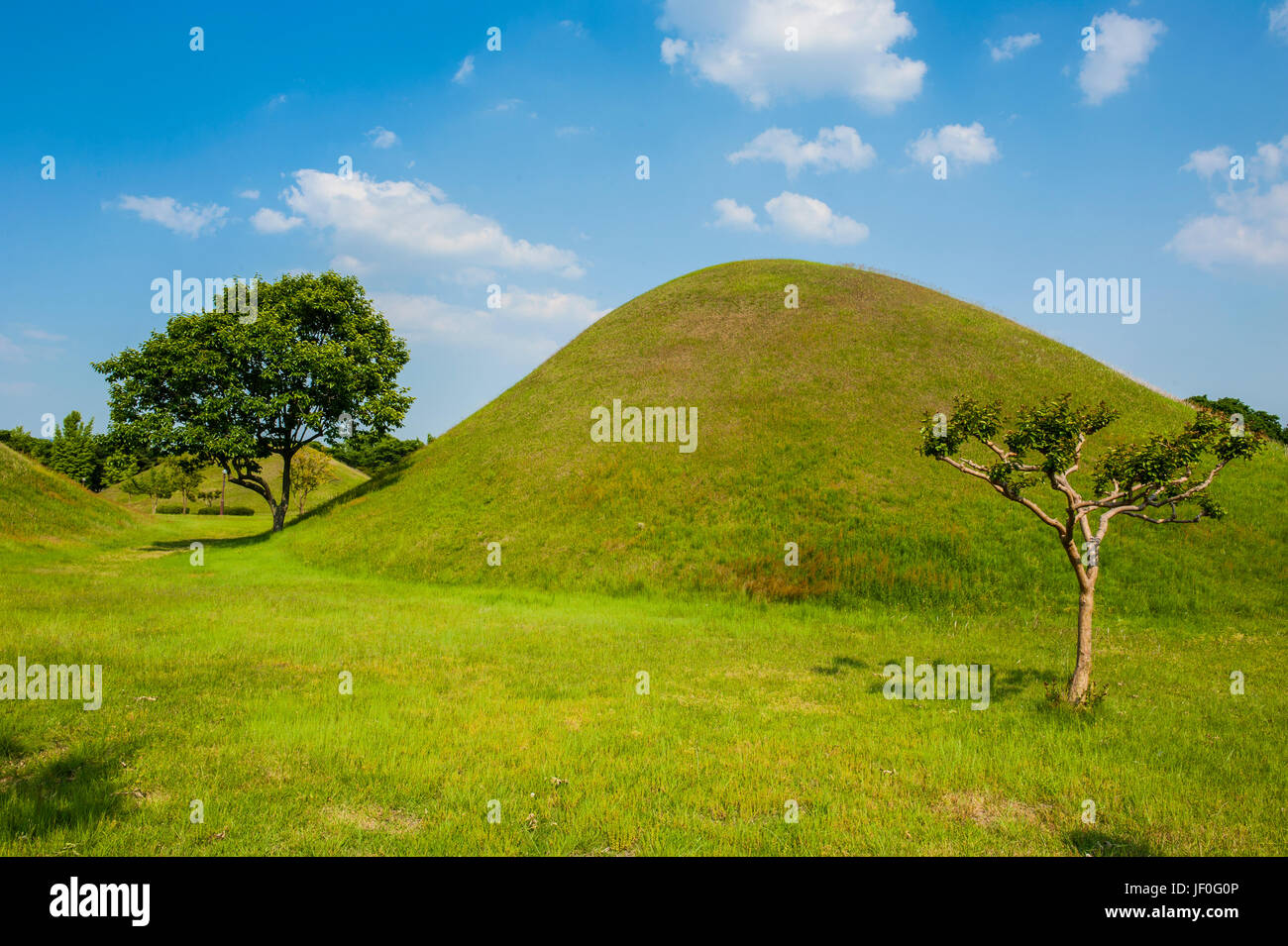 Tumuli park with its tombs from the Shilla monarchs in the Unesco world heritage sight Gyeongju, South Korea Stock Photo