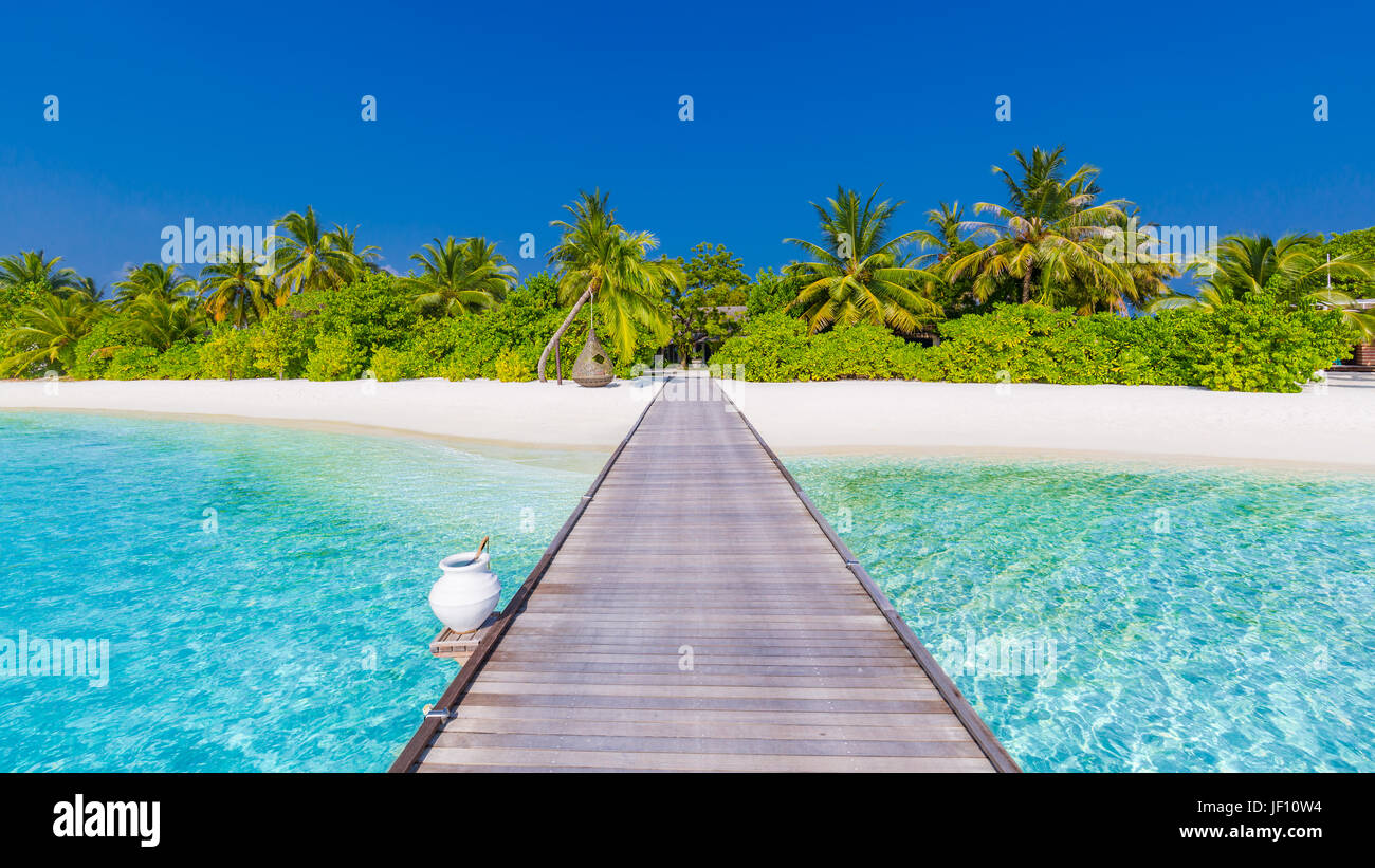 Luxury summer vacation and holiday concept background. Summer beach nature and tropical island banner - Stock Image