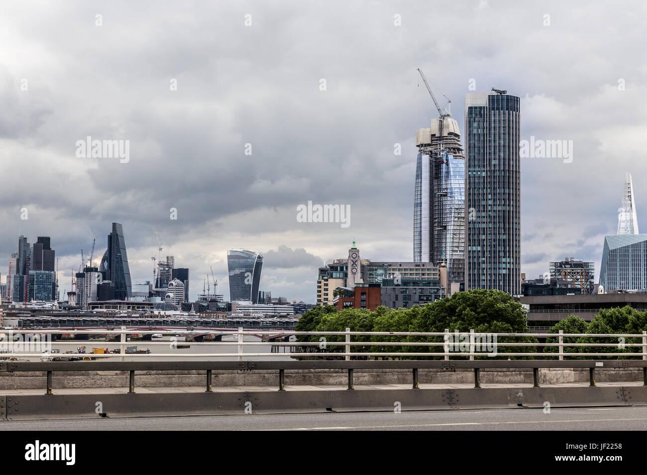 40e3c85f98 London