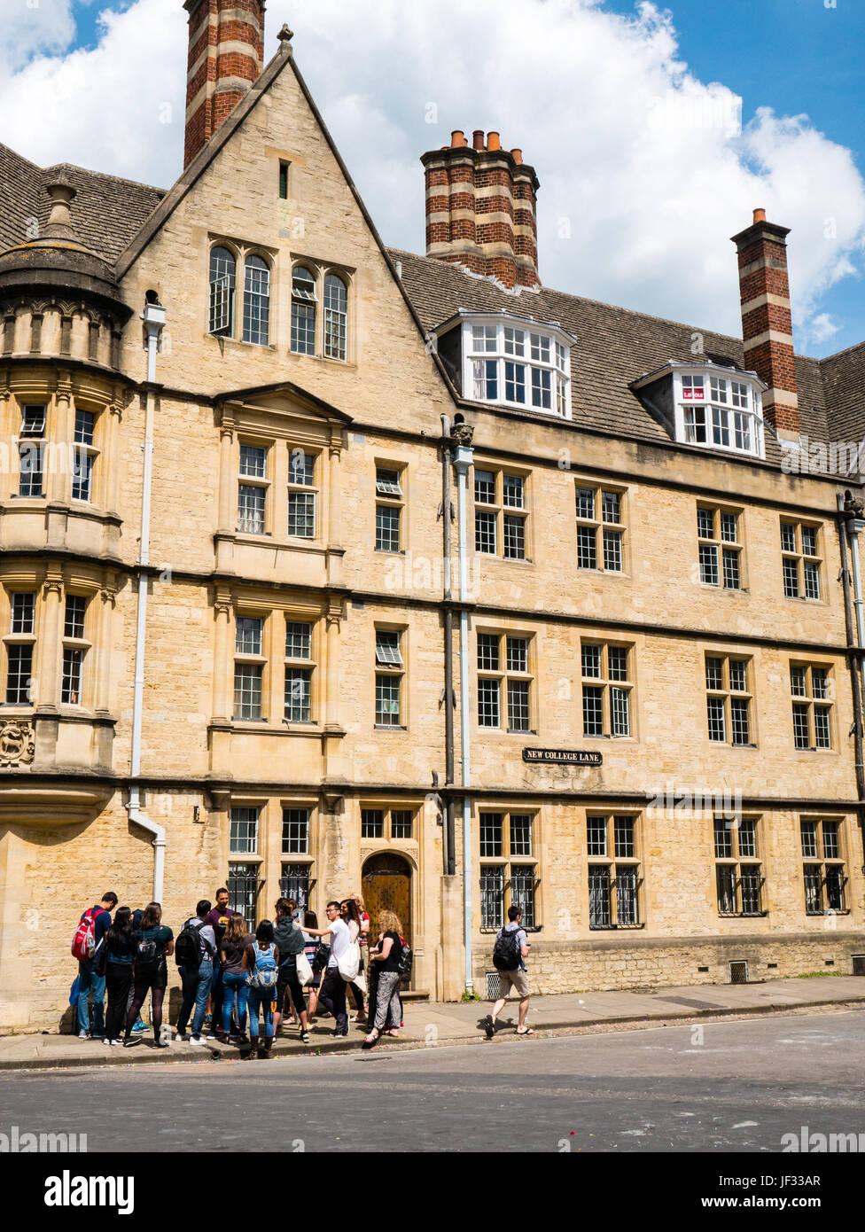 Tour Group, outside Hertford College, Oxford, Oxfordshire, England - Stock Image