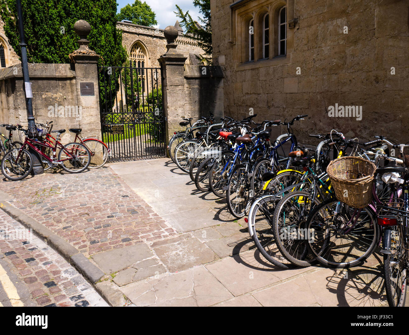 Bicycles , St Edmunds Hall, Oxford, Oxfordshire, England - Stock Image