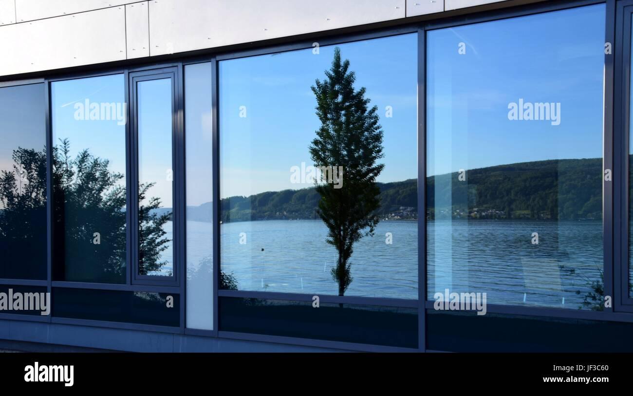 Bemerkenswert Fensterfront Ideen Von Bodensee Spiegelt Sich In Einer