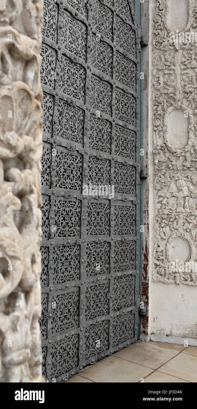 Ancient reliable gate - Stock Image