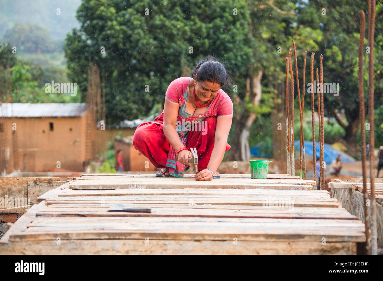 Woman builder, Nuwakot district of Nepal - Stock Image