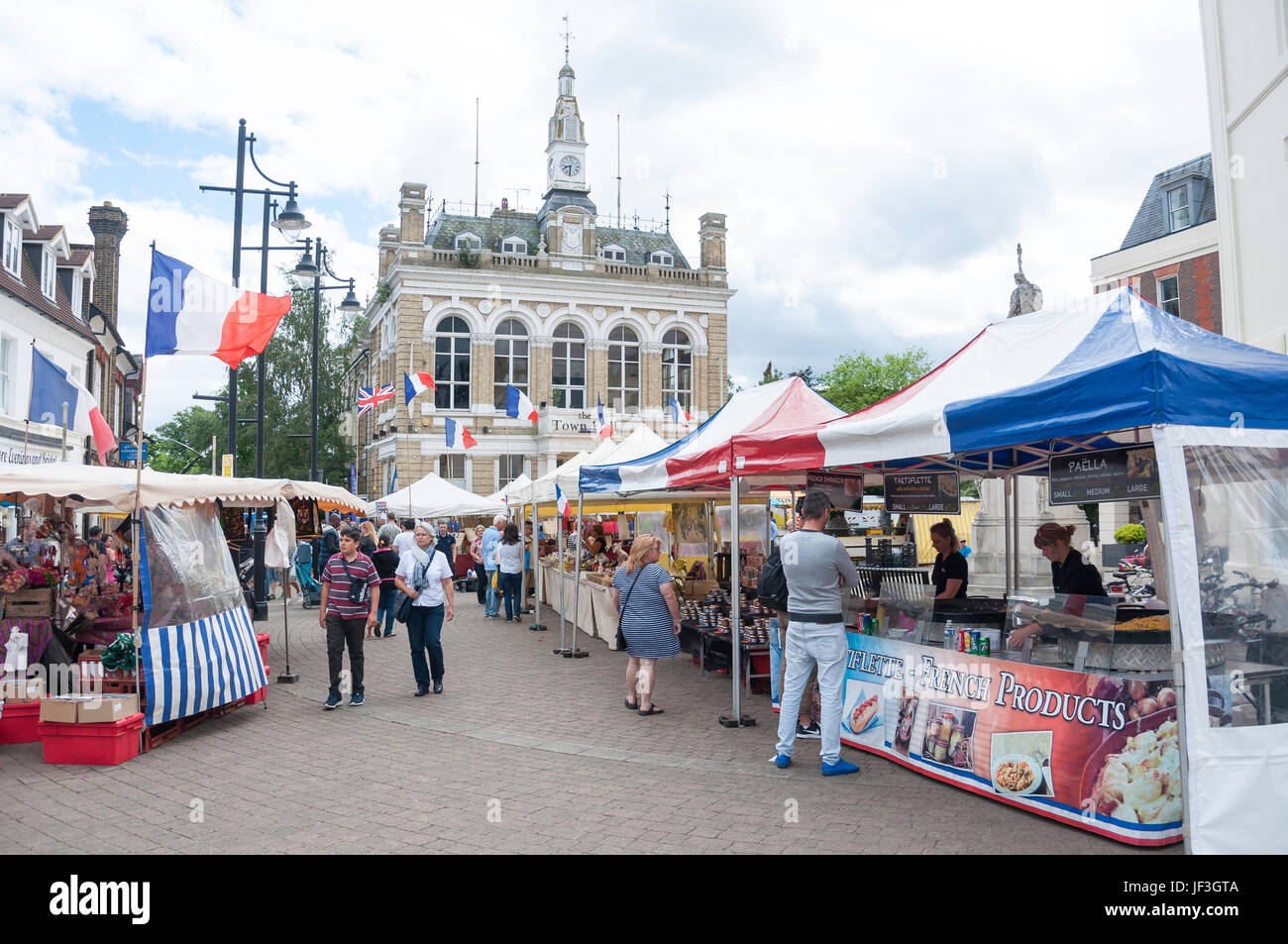 French outdoor produce Market in Market Square, Staines-upon-Thames, Surrey, England, United Kingdom - Stock Image