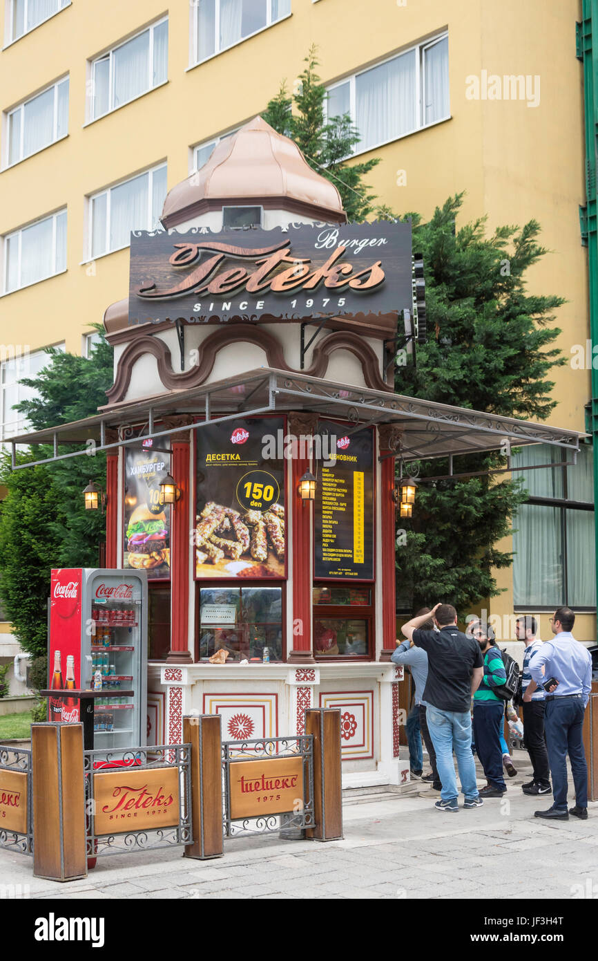 Teteks Burger kiosk by river Vardar, Noemvri, Skopje, Skopje Region, Republic of Macedonia - Stock Image