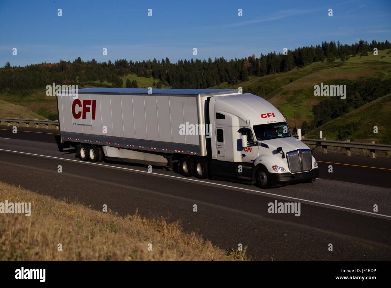 CFI Transportation / White Kenworth - Stock Image