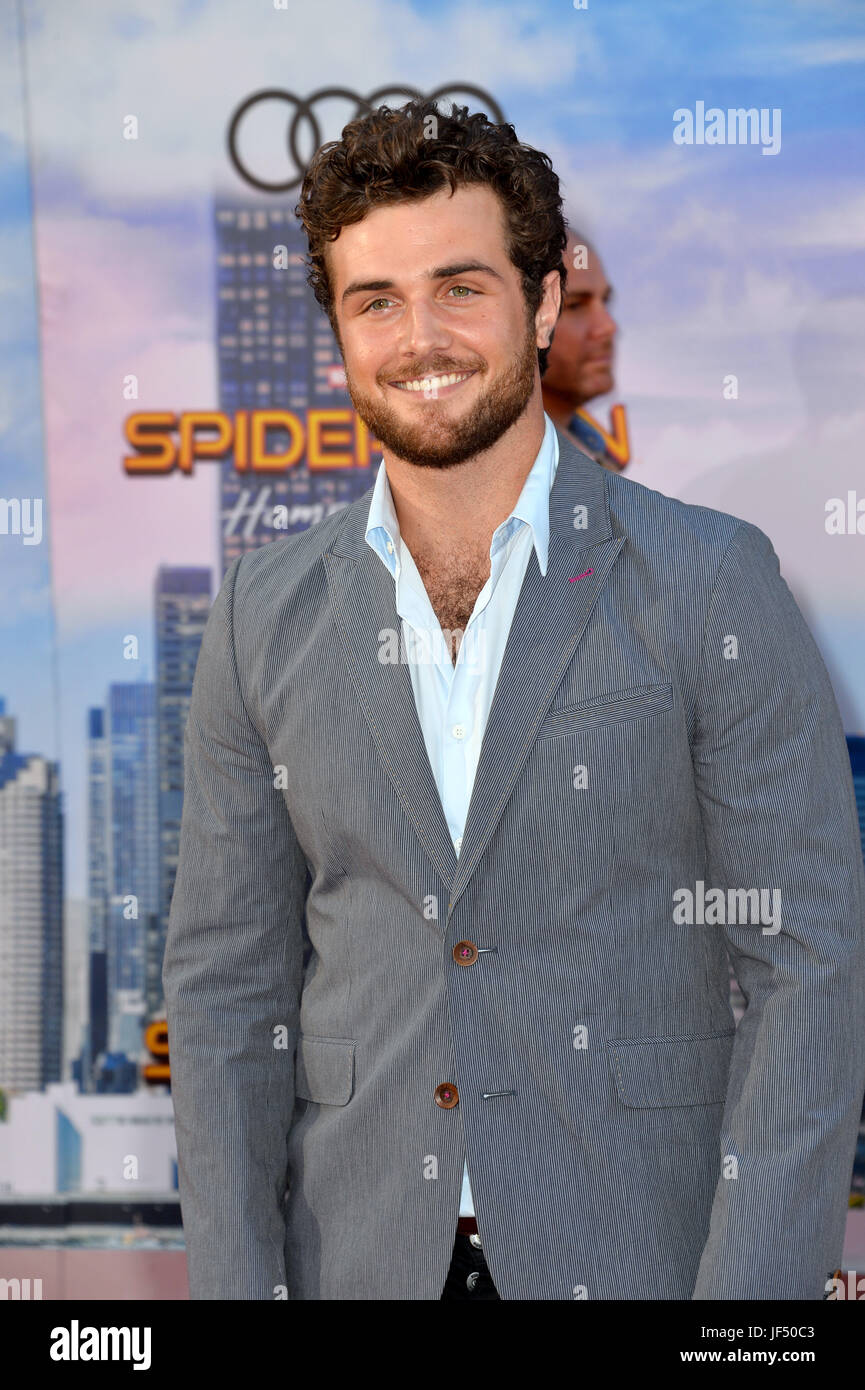 Watch Beau Mirchoff video