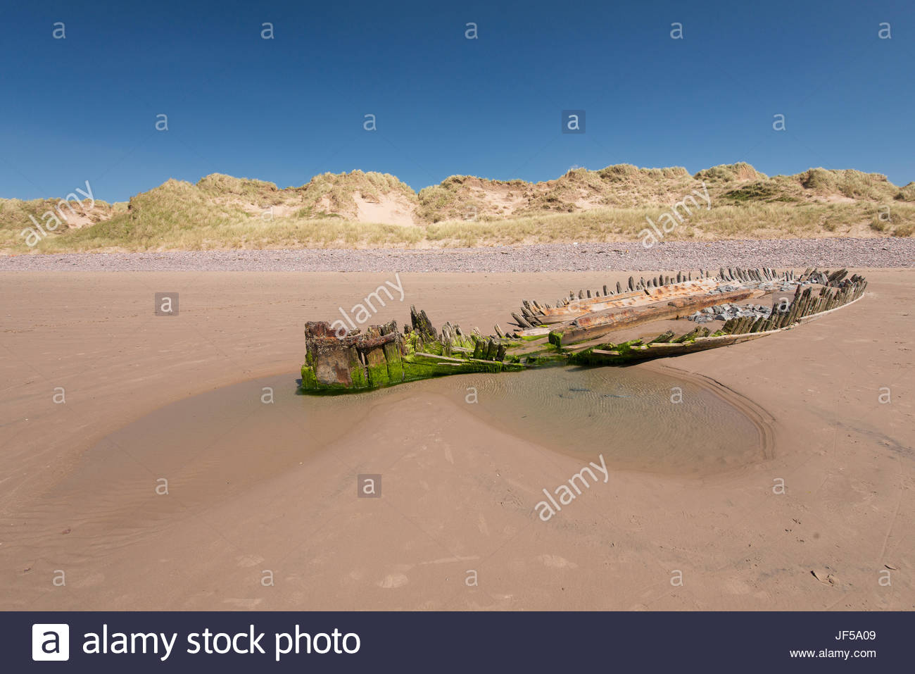 The remains of the Sunbeam schooner shipwreck which occurred in 1903. - Stock Image