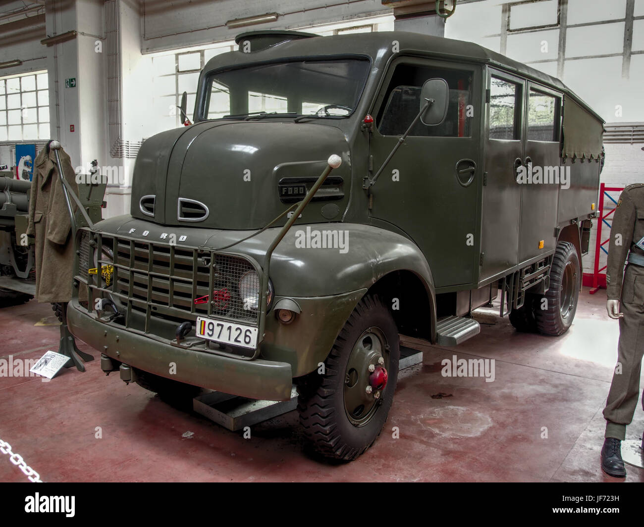 4x4 Cabover