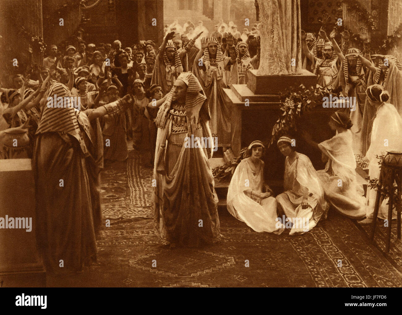 Last Days of Pompeii, 1913. In the temple of Isis,   Italian silent film based on the novel ' The Last Days - Stock Image