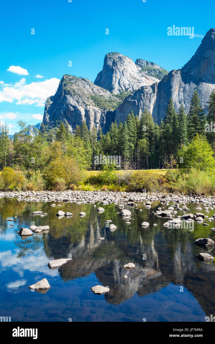 Yosemite National Park, California, the Cathedral Spires mountains - Stock Image