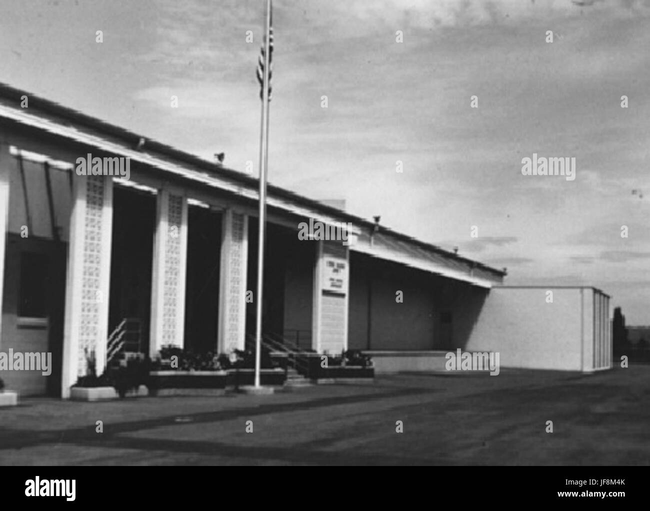 Photograph of Seattle Federal Archives and Records Center 34959524300 o Stock Photo