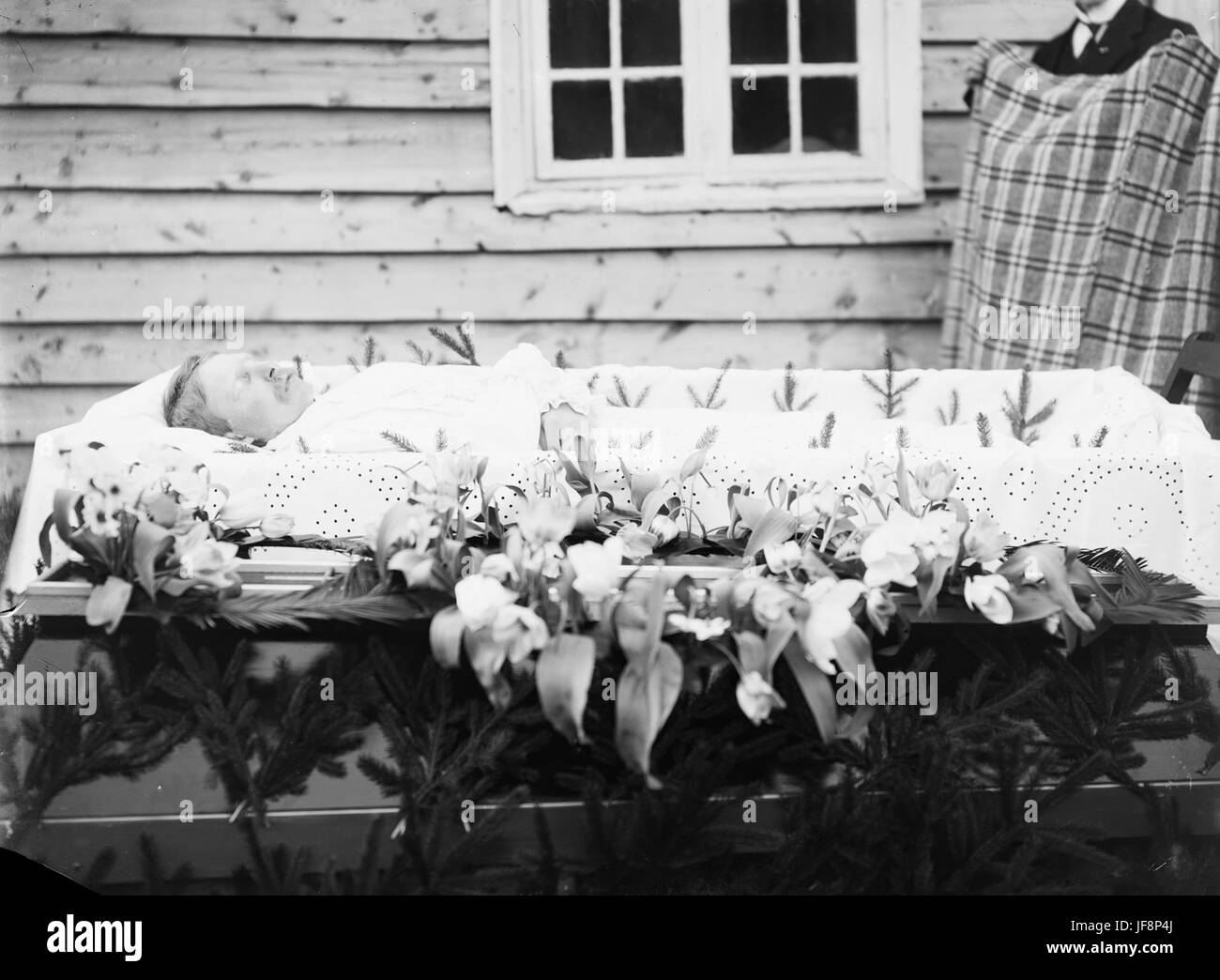 Post mortem portrait, ca 1912-1930 32755331973 o - Stock Image