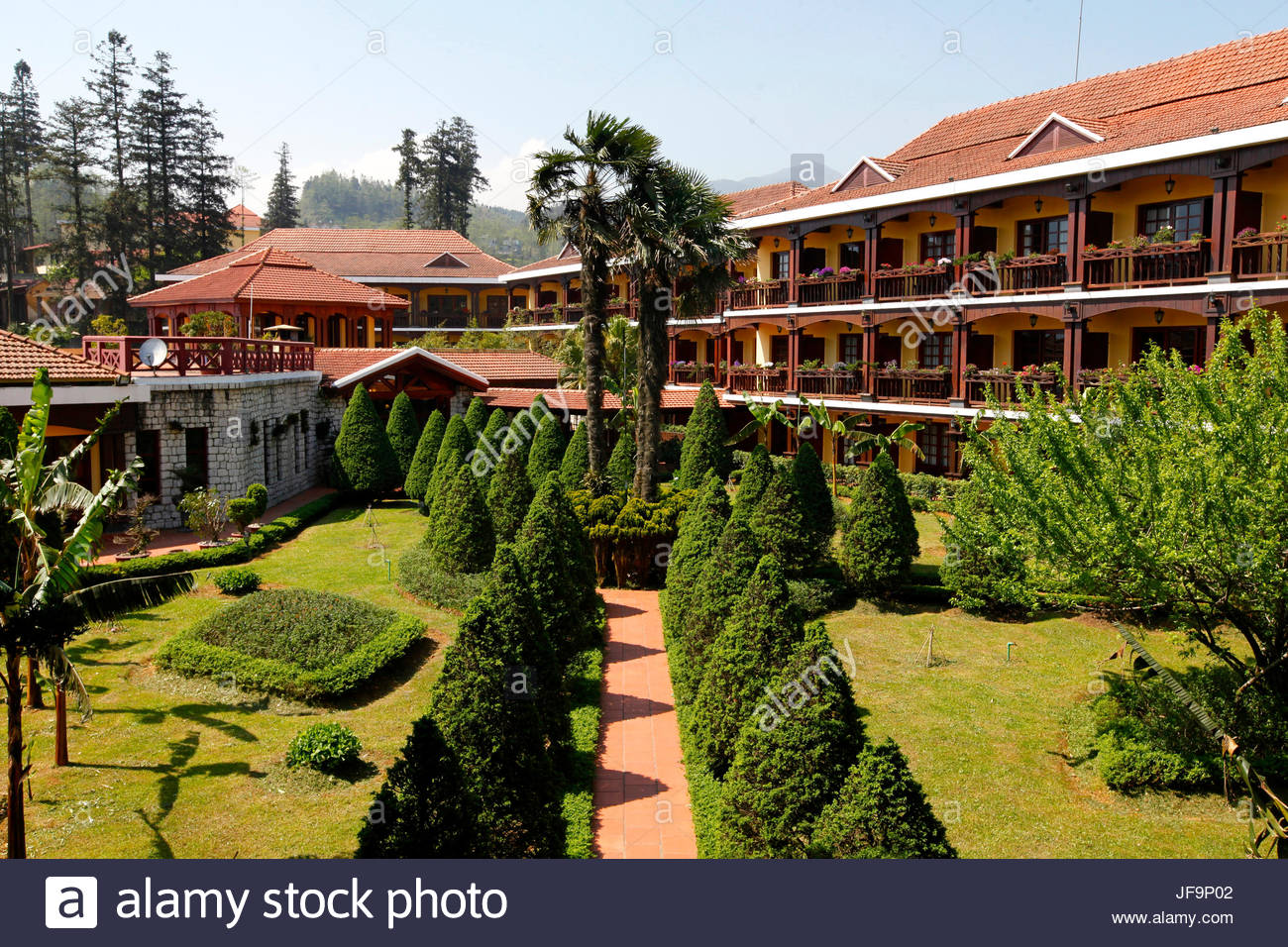 Outside view of the Victoria Sapa Resort and Spa. - Stock Image