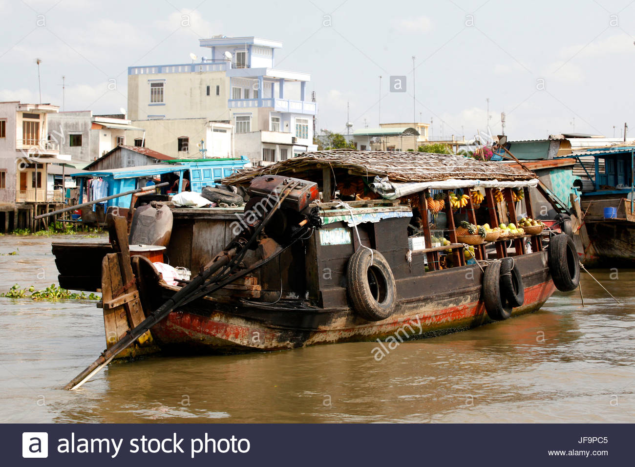 Overwater market along the Mekong River. - Stock Image